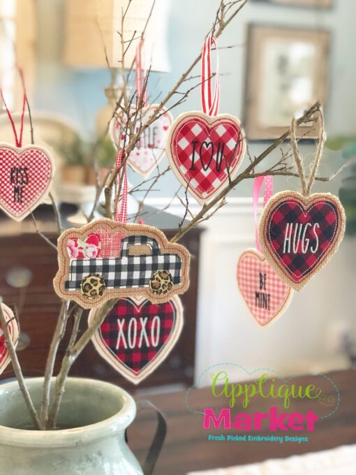 ITH Valentine Ornament Tree2