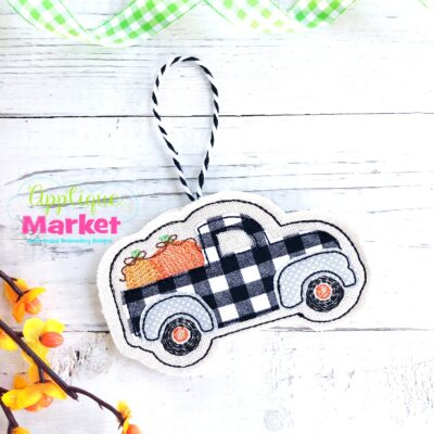 ITH Halloween Ornament Pumpkin Truck